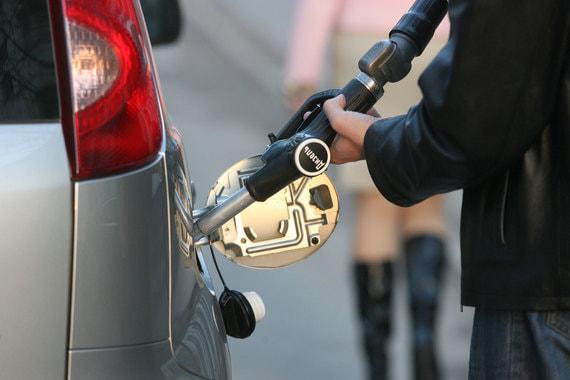 На московских заправках резко подешевело дизельное топливо