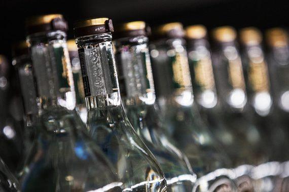 Производители водки просят поднять ее минимальную цену с нового года