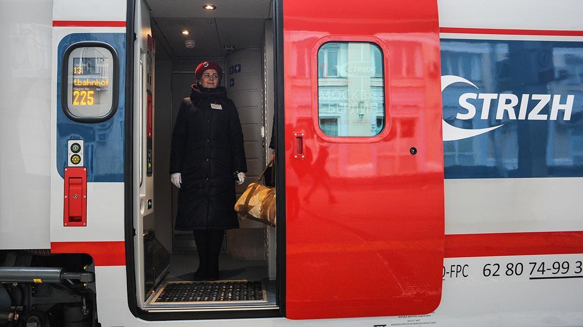 Современные вагоны почти не нуждаются в услугах проводников. Однако проводники, как и прежде, продолжают обслуживать пассажиров