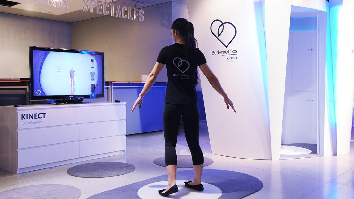Кабина-сканер в лондонском универмаге Selfridges, которая снимает за несколько секунд 200 мерок. По ним можно заказать себе джинсы за $600