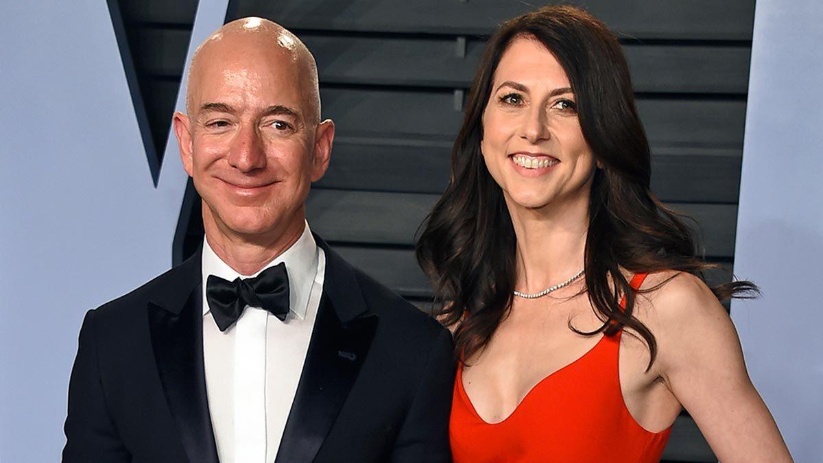 Один из самых громких разводов последнего времени – расставание одного из основателей Amazon Джеффа Безоса с супругой. Маккензи Безос в результате развода стала обладательницей состояния в $39 миллиардов