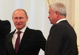 Президент России Владимир Путин и президент «Лукойла» Вагит Алекперов