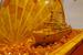 Атомоход «В.И.Ленин»                                      1960 г. Авторы: В. Митянин, Г. Горшков, А. Квашнин. Подарен 18 февраля 1960 г. советской делегацией во главе с председателем совета министров РСФСР Д. С. Полянским президенту США Дуайту Эйзенхауэру. Материал: янтарь. Оригинал находится в Музее Дуайта Эйзенхауэра в г. Абилин, штат Канзас, США. Копия - в Музее янтаря в г. Калининград. Размер: 30*77*42 см.
