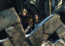 Король гномов Торин и его отряд не хотят делиться сокровищами под горой