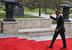 """Барак Обама во время прибытия к зданию международного конгресс-центра """"Яньциху"""" в Пекине"""