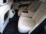 Наклон задних кресел можно регулировать, при необходимости подлокотник поднимается, освобождая место для третьего пассажира