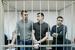 Степан Зимин, Денис Луцкевич и Алексей Полихович (слева направо), обвиняемые по делу о массовых беспорядках на Болотной площади 6 мая 2012 года, во время слушаний в Замоскворецком суде