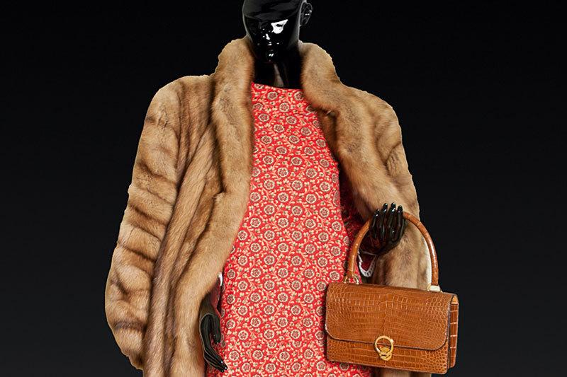 Предметы избутика Victoria's Vintage: платье,  меховое пальто и сумка