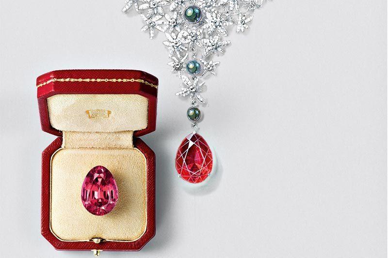 Украшение из коллекции Royal Cartier