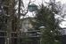 Дом Вагита Алекперова прекрасно расположен - вокруг дома - лес, перед домом - пляж