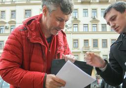 У Евгения Ройзмана и его коллег не должно быть много власти, считают в народном фронте