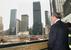 Мэр Нью-Йорка Майкл Блумберг у  места трагедии 11 сентября 2001 г.