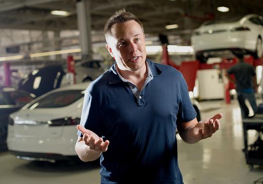 7 место: Илон Маск                      Основатель и генеральный директор SpaceX, сооснователь и генеральный директор Tesla Motors, сооснователь PayPal. №527 в мировом списке миллиардеров Forbes с состоянием $6,7 млрд по оценке на сентябрь 2013 г.