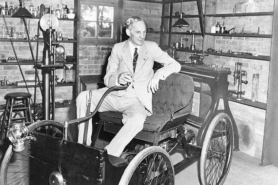4 место: Генри Форд (1863 - 1947 гг.)                      Изобретатель и бизнесмен. Основатель Ford Motor Company.