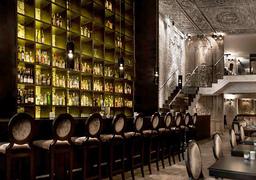 Ресторан Андрея Деллоса Betony в Нью-Йорке получил свою первую мишленовскую звезду