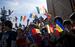 Андорра: страна со смешанным национальным составом                                          Хотя государство и называется «Андорра», андоррцы составляют всего лишь 33% населения, в то время как испанцы - 43%. Еще 11% населения - португальцы, 7% - французы. Суммарно население Андорры насчитывает 85 000 человек - меньше, чем в большинстве районов Москвы.