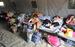 Женщины в лагере для беженцев в городе Донецк, Ростовская область