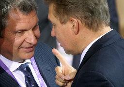 Игорь Сечин (слева) близок к тому, чтобы лишить «Газпром» монополии на экспорт трубопроводного газа  (предправления «Газпрома» Алексей Миллер справа на фото)