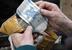 Валюта Белоруссии - белорусский рубль - считается одной из самых нестабильных в Европе. В 2011 г. в стране произошел последний финансовый кризис, который привел к тому, что курс белорусского рубля к доллару обвалился за год почти в три раза. Естественно, девальвация привела и к инфляции, которая по итогам года составила более 100%. В 2013 г. руководитель местного ЦБ Надежда Ермакова заявляла, что Белоруссия может провести третью с 1994 г. деноминацию: в августе 1994 г. с белорусских денег убрали один нолик, в январе 2000 г. - сразу три.