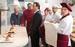 «Кухня в Париже»                                           Речь в сериале «Кухня», едва ли не самом популярном на канале СТС со времен «Моей прекрасной няни», шла о том, как клинически бестолковые существа умудряются готовить хорошую еду. Главный герой «Кухни» - вечно небритый Максим Лавров (Марк Богатырев) - был каким-то удивительно дурным перцем, но при этом на него отчего-то вешались невероятно красивые женщины. С одной из них, Викторией Сергеевной (Елена Подкаминская), арт-директором ресторана Claude Monet, куда Максим каким-то чудом устроился и откуда за пару лет так и не вылетел, он теперь, в полнометражном продолжении сериала, собирается обвенчаться.