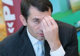 В 2007 г. Игорь Потапенко назвал одним из приоритетов скупку земель