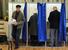 Жители города Химок на избирательном участке.