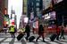 В Нью-Йорке по распоряжению мэра Майкла Блумберга из зон возможного затопления эвакуировали 375 000 человек.