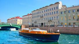 """Лодка Sunne in Splendour отеля """"Кемпински Мойка 22"""""""