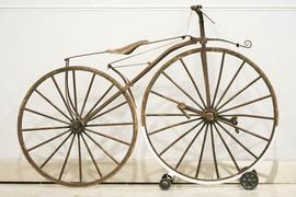 французский «педальный самокат» 1865 года выпуска