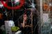 Эмилио Моренатти, Испания, The Associated Press                                          29 матра 2012, Барселона, Испания                     39-летняя Мирейя Арно за разбитой витриной своего магазина, который штурмовали демонстранты во время столкновений с полицией при проведении всеобщей забастовки в Барселоне 29 марта. Забастовка была направлена против правительственных реформ трудового законодательства. В условиях продолжающегося экономического кризиса парламент предложил значительно сократить социальные программы, а также принять меры, облегчающие увольнение сотрудников. Безработица в Испании достигла рекордного в Европейском союзе уровня – 24 %; половина граждан в возрасте 25 лет не имеет работы. В основном протестные акции во всей стране проходили мирно, но в Барселоне часть демонстрантов начала бить камнями витрины банков и магазинов.