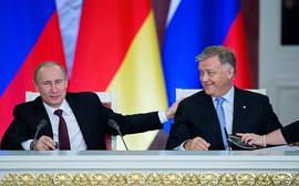 Президент Владимир Путин и глава РЖД Владимир Якунин, 2012 г.