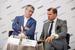 Алексей Попов, президент, «Универсальная электронная карта» и Дмитрий Страшнов, генеральный директор, «Почта России»