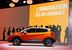 Renault  Captur                                          Renault показывает кроссовер Captur, построенный на базе нового поколения Clio, аналогичный по классу Peugeot 2008. Обе машины с глобальными амбициями в активно растущем сегменте должны помочь французским фирмам отойти от чрезмерной ориентированности на внутренний рынок, положение которого пока месяц от месяца только ухудшается.