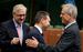 Комиссар ЕС по экономике Олли Рен, греческий министр финансов Яннис Стурнарас и министр финансов Кипра Михалис Саррис.