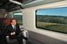Бывший премьер-министр Италии Сильвио Берлускони путешествует на поезде из Рима в Милан.