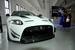 Jaguar купе XKR-S GT                                          Британская Jaguar Land Rover представила на автосалоне в Нью Йорке заряженные версии седана Jaguar XJR и купе XKR-S GT . Роскошный спортивный седан оснащен турбированным мотором 5 л V8, развивающим 550 л.с. и 680 Нм крутящего момента, который в паре с 8-ступенчатой КПП может разгонять его до 100 км/ч за 4.6 с . В XKR-S GT установлен такой же двигатель, но купе на несколько десятых секунды быстрее седана