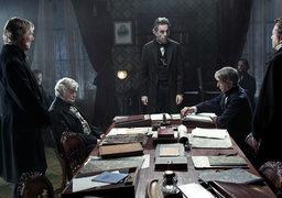 Линкольн – Дей-Льюис выше всех фигурально и буквально, но ни на кого не смотрит свысока