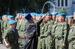 Священник окропляет святой водой солдат 31-й гвардейской отдельной десантно-штурмовой бригады в Ульяновске перед встречей с президентом Путиным. 1 августа 2012 г.
