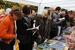 Книги на улицах                                          В этом году все чаще в Москве стали проходить камерные книжные фестивали и ярмарки. Самая заметная и впервые расположившаяся в центре столицы — «Бульвар читателей» — проходила на Никитском бульваре. Отличительная особенность этой и других подобных ярмарок (например, ставшего традиционным «Бу!феста» или стартовавших этой осенью «Книг в парках») — более низкие, чем в магазинах, цены, встречи с не коммерческими, но думающими авторами и активная направленность на читателя.