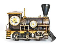 Часы-паровоз. Около 1910 года