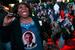 Избиратели Обамы празднуют победу.