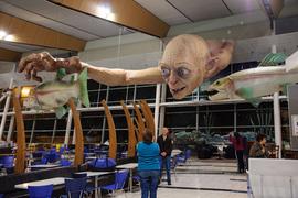 В международном  аэропорту Веллингтона пассажиров приветствует Голлум – один из самых известных персонажей киносаги Питера Джексона