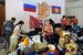 """Раздача гуманитарной помощи в координационном штабе, расположенном в кинотеатре """"Русь"""" в Крымске"""