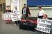 """Акция в поддержку обманутых вкладчиков АО """"МММ"""" на Арбатской площади, 1994 год"""