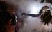 «Чужой» Ридли Скотта (1979)                                      В первом фильме Скотта земляне, на свою беду, позволили зародышу Чужого проникнуть на их корабль «Ностромо». Вылупившись из тела заведомо обреченного астронавта, Чужой рос буквально на глазах зрителей. Воплощение иной формы жизни — чуждой и необъяснимой, мимикрирующей под обшивку звездолета и преследующей лишь одну цель: всех пожрать ради собственного выживания, — этот невиданный зверь воплощал большинство человеческих фобий (страх темноты, страх при столкновении с природой, да и тривиальную ксенофобию). Разглядеть Чужого стало возможно только к финалу фильма. Необъяснимое космическое чудище представало и как метафора неконтролируемых последствий технического прогресса: ларец Пандоры люди открывали по собственной инициативе.
