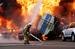 27 июня 2013 г.                                          Сотрудник пожарной службы ликвидируют очаг возгорания, возникший в результате взрыва бензовоза. Казахстан, Алма-Аты.                     Смотреть галерею