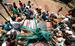 29 марта 2013 г.                                          Жители трущоб запасаются питьевой водой. Индия