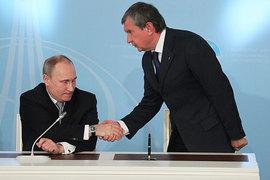 Игорь Сечин располагает огромным аппаратным ресурсом и поэтому может получить в распоряжение средства, накопленные на благосостояние пенсионеров