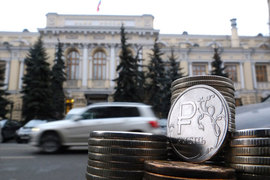 Волатильность курса рубля резко возросла вскоре после того, как ЦБ в ноябре отпустил рубль в свободное плавание и отказался от валютного коридора и плановых интервенций