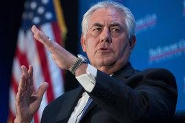 Президент ExxonMobil Рекс Тиллерсон пытается убедить российских чиновников